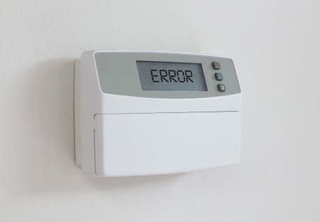 thermostat with an error message